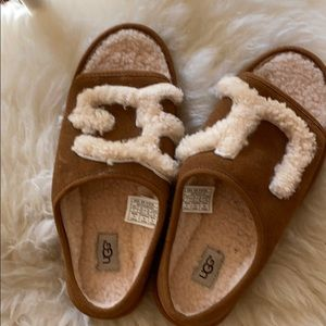 Never worn, tan and fleece Ugg sandals, size 7